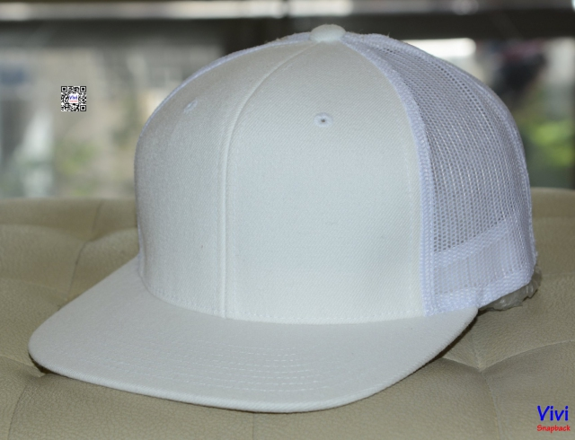 The Lids Full Whhite Trucker Snapback