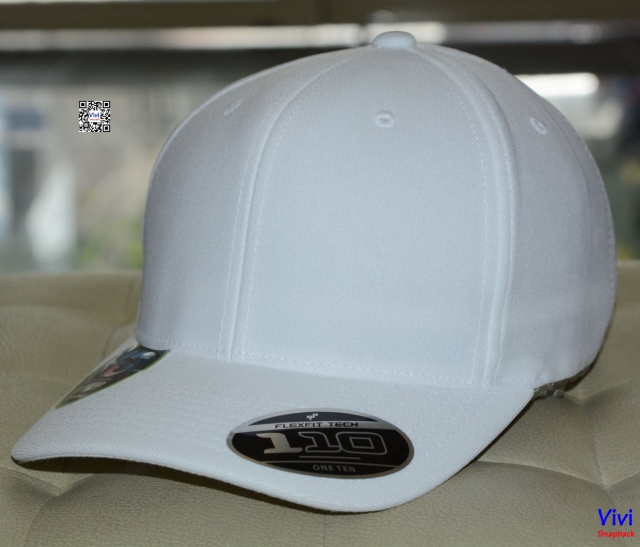 The 110 Cool & Dry Mini Pique In White Cap