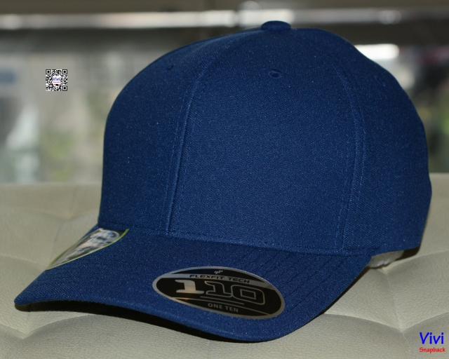 The 110 Cool & Dry Mini Pique In Navy Cap
