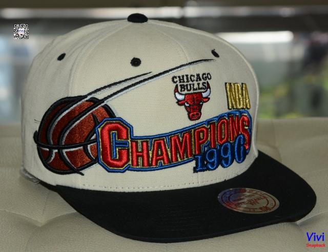 Mitchell & Ness Champions NBA 1996 Snapback