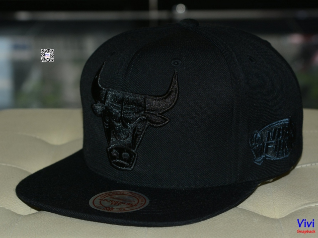Mitchell & Ness Chicago Bulls Full Black NBA Final Snapback