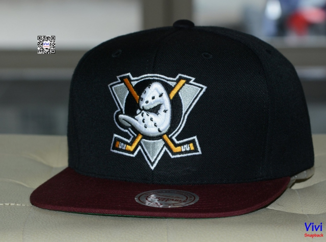 Mitchell and Ness Anaheim Ducks NHL Snapback