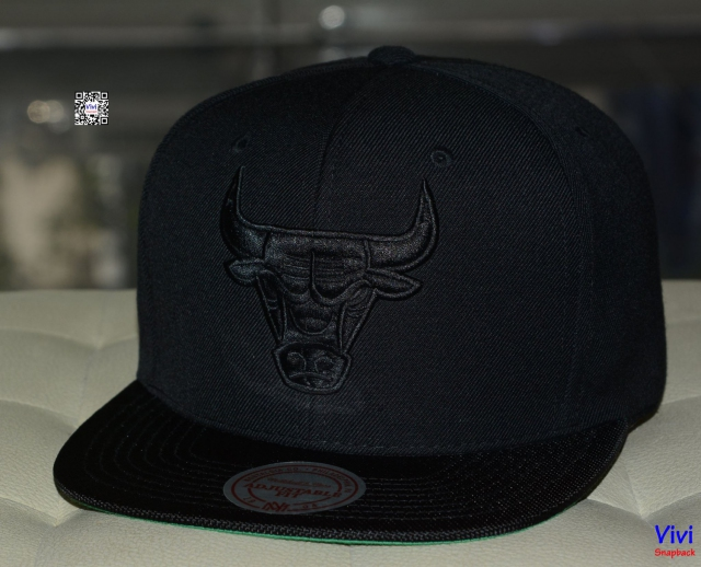 Mitchell & Ness Chicago Bulls Black Snapback