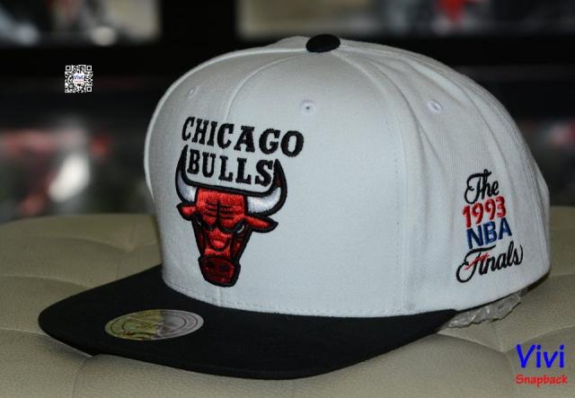 Mitchell & Ness Chicago Bulls 2Tone Snapback