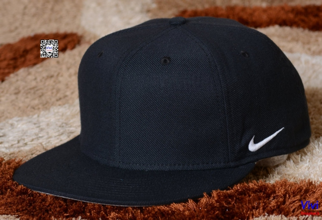 Nike Bassic Full Black Fitted Snapback