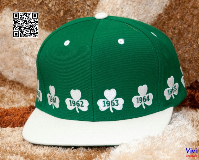 Mitchell & Ness Celtics Snapback Year