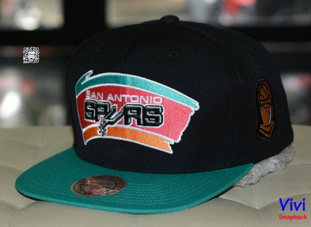 Mitchell and Ness Antonio Spurs Finnal Snapback