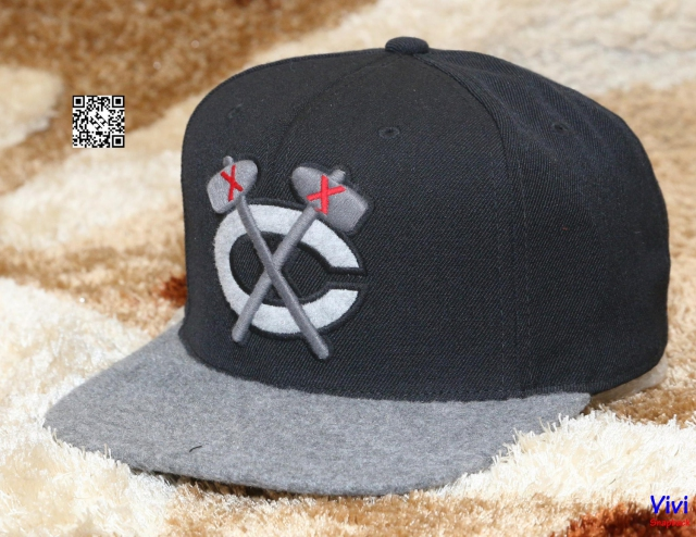 Mitchell & Ness Fitted Snapback