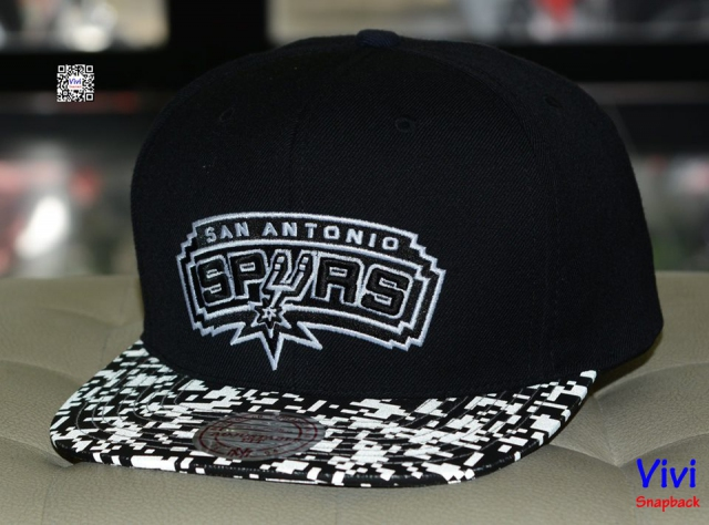 "Mitchell & Ness Antonio Spurs  ""NBA Digi Reflective"" Snapback"