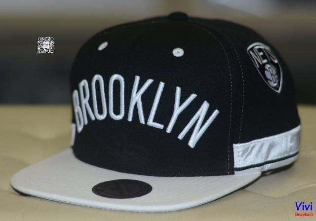 Mitchell & Ness Brooklyn Nets Jersey Hook Snapback