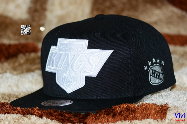 Mitchell & Ness Kings Snapback Black