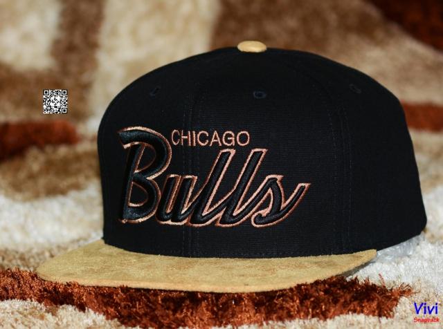 Mitchell & Ness Bulls Snapback
