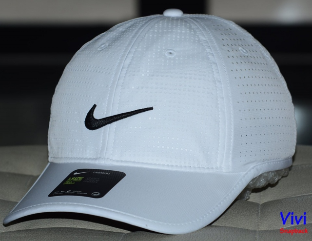 Nike Perforated Golf cap white