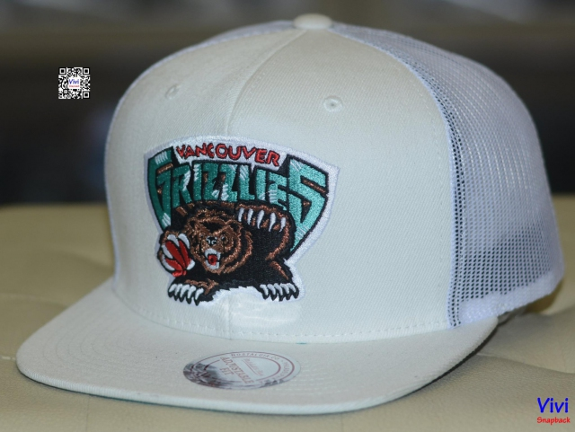 Mitchell & Ness Vancouver Grizzlies Trucker Snapback