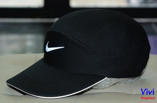 Nike AeroBill Tailwind Running Cap Black