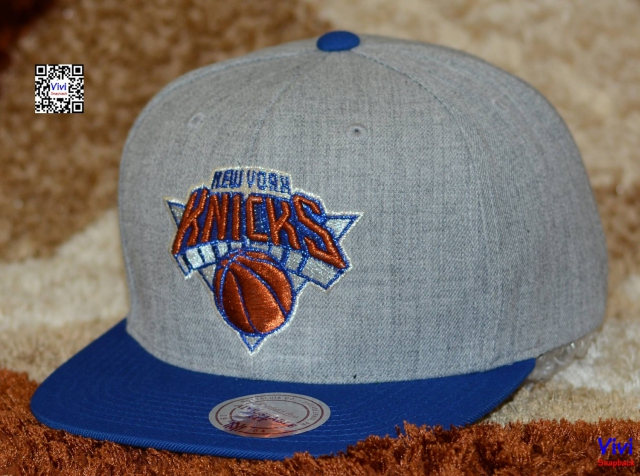 Mitchell & Ness Knicks Logo Wool Solid  2Tone Snapback
