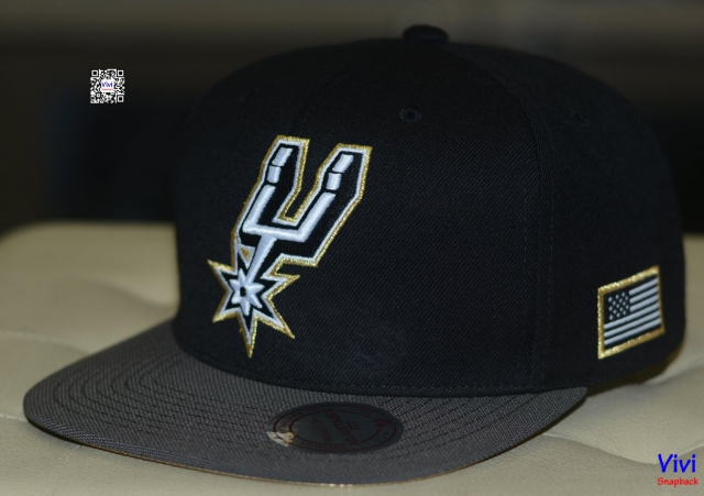 Mitchell & Ness Antonio Spurs USA 2Tone 2.0 Snapback