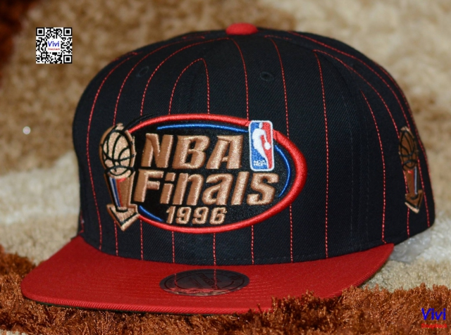 Mitchell & Ness Bulls 1996 Championship Collection Snapback