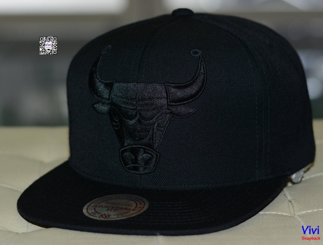 Mitchell & Ness Chicago Bulls NBA Team BW Snapback