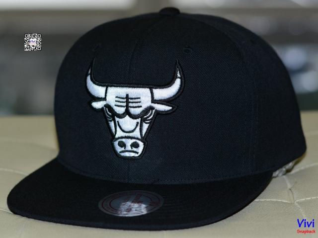 Mitchell & Ness Chicago Bulls Icon Snapback B/White