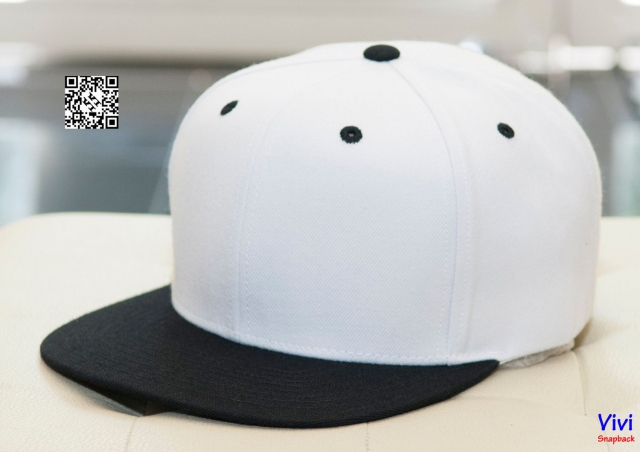 Top Of The World Snapback b/w