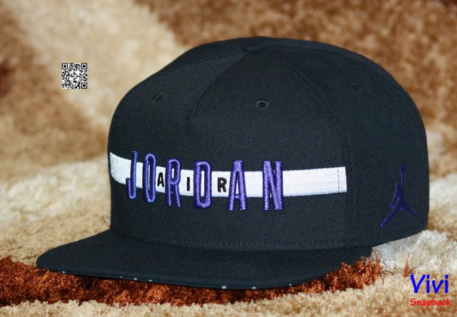 Jordan Air Stripe Snapback Black