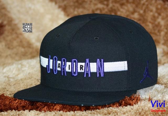 Jordan Air Stripe Snapback Black