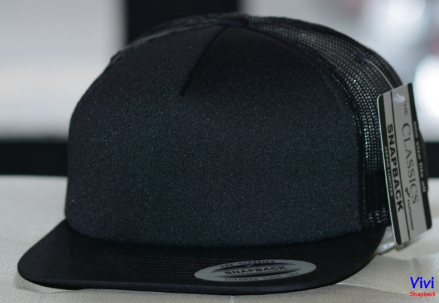Snapback Foam Trucker Black The Classic Yupoong