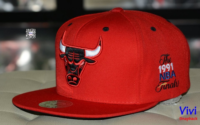 Mitchell & Ness Chicago 1991 Snapback