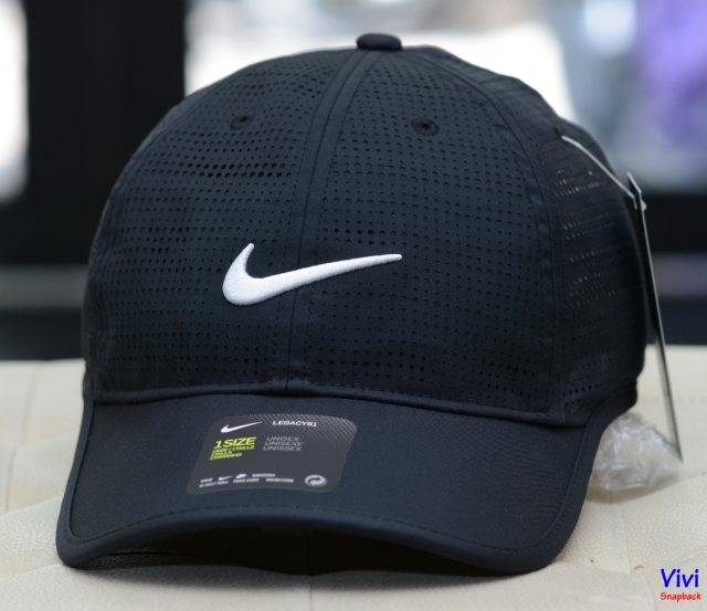 Nike Perforated Golf Cap 639635 Black