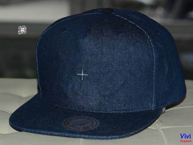 "Mitchell & Ness Lapstone & Hammer "" Destructed Denim "" Snapback"