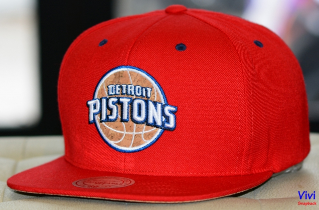 Mitchell & Ness Detroit Pistons Cork Snapback