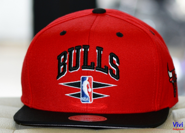 Mitchell & Ness Bulls NBA Double Diamond Undertime Snapback 2Tone