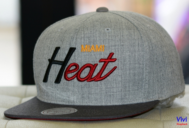 Mitchell & Ness Miami Heat NBA Tri Pop Special Script Snapback