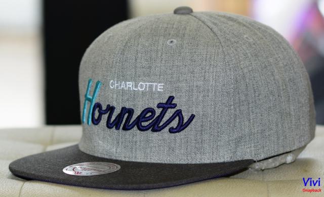 Mitchell & Ness Carlotte Hornets NBA Tri Pop Special Script Snapback