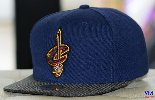 Mitchell & Ness Cleveland Cavaliers Team Logo Snapback