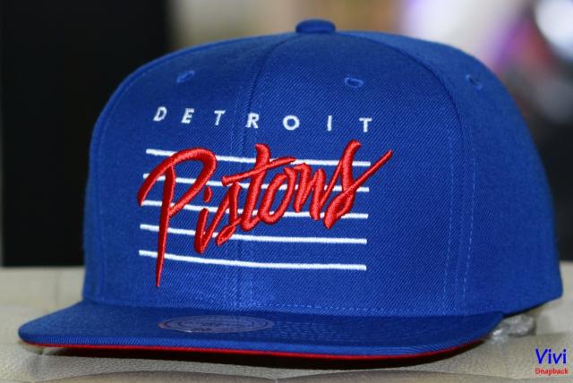 Mitchell & Ness Detroit Pistons Cursive Script Cotton Snapback