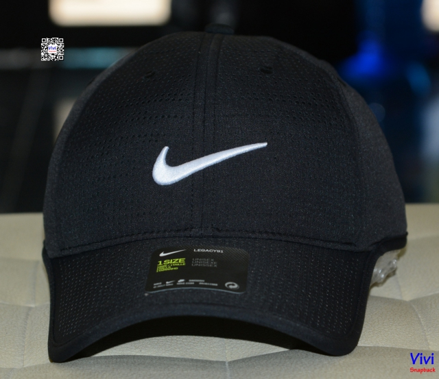 Nike Golf Legacy 91 Black Cap
