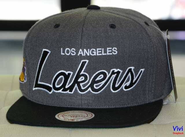 Mitchell & Ness Los Angeles Lakers Script Snapback