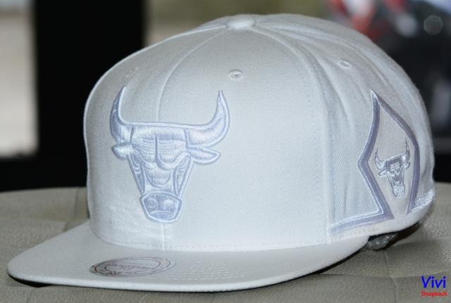 Mitchell & Ness Chicago Bulls Maroon Game day Snapback White