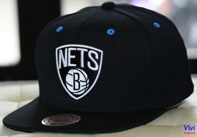 Mitchell & Ness Brooklyn Nets Team Logo Snapback