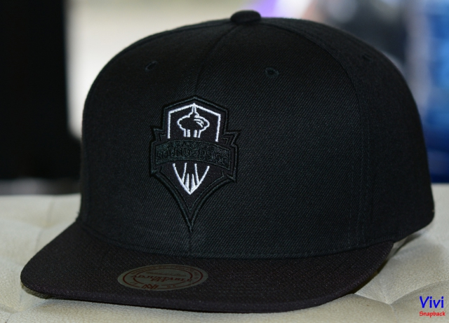 Mitchell & Ness Seattle Sounders FC Snapback Black