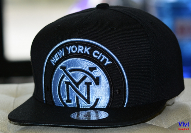 Mitchell & Ness New York City FC Cropped XL Logo NBA Snapback Black