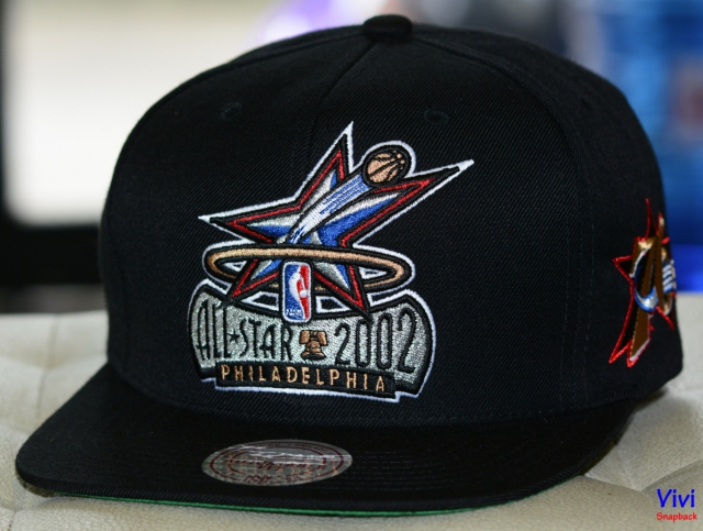 Mitchell & Ness NBA All Star 2002 Philadelphia XL Logo Snapback Black